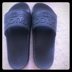 Gucci Men's black slides